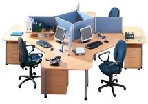 Schreibtisch-Gruppe mit Tisch-Trennwänden